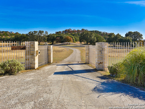 Property for sale at 132 Poehnert Rd, Boerne,  TX 78006